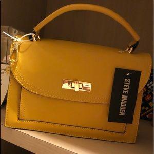 Steve Madden small carry purse. .